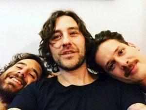 TheGiornalisti: chi è Leo Pari, amico fraterno di Tommaso Paradiso e suo possibile sostituto
