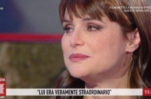 Storie Italiane, Lorena Bianchetti parla della morte del padre e si commuove