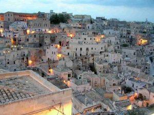 Matera, esempio di Sud Italia che rinasce sfruttando solo la bellezza artitstica