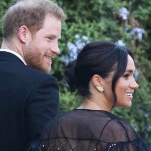 Meghan Markle perde orecchini durante il matrimonio romano: li comprò a Portobello per 6 euro