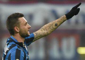 Milan Inter Brozovic gol var convalida Lautaro Martinez ok