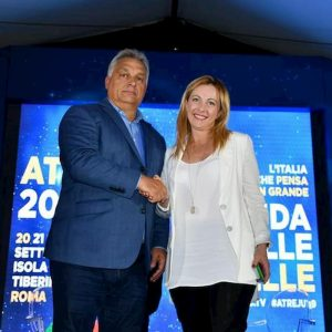 Viktor Orban con Giorgia Meloni