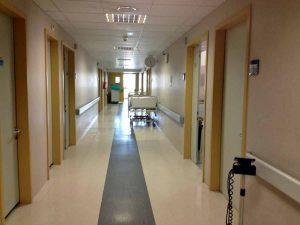 Vimercate ospedale: pazienti con stesso cognome per sacca di sangue, trasfusione mortale.