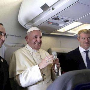 Scisma: Papa Francesco non ha paura per la Chiesa ma prega, Zingaretti non prega ma se la fa sotto per il pd