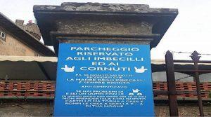 bagnaia viterbo, cartello incita violenza donne