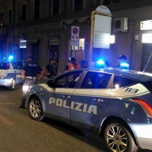 Treviso, volante Polizia speronata da auto in fuga: due agenti feriti
