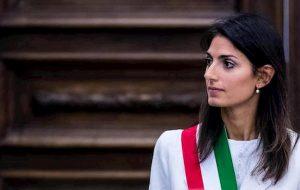 Roma, rimpasto in giunta comunale: Raggi manda via i tecnici, entrano 4 politici