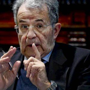 """Romano Prodi già vede la fine di Renzi: """"Italia Viva come lo yogurt, ha scadenza breve"""""""