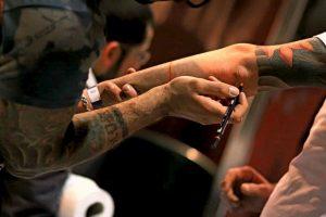 Tatuaggi, il 20% degli inchiostri contiene sostanze tossiche