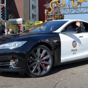 Usa, Tesla della polizia si scarica durante l'inseguimento e il sospettato fugge
