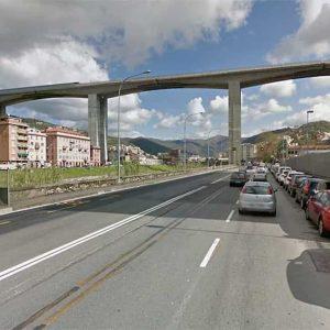 """Viadotto Bisagno, caduta di calcinacci. Autostrade: """"E' pezzo di un pluviale"""""""