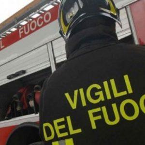 Roma incendio motorino auto liceo dante