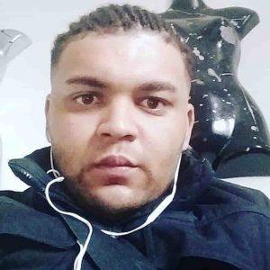 Gran Bretagna: Zak Bennett Ekolancia il figlio di 11 mesi nel fiume e poi va a bere al pub