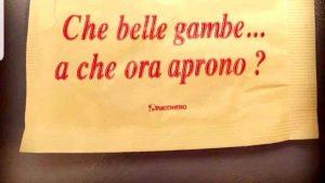 """Taranto, la bustina di zucchero fa indignare il web: """"Belle gambe, a che ora aprono?"""""""