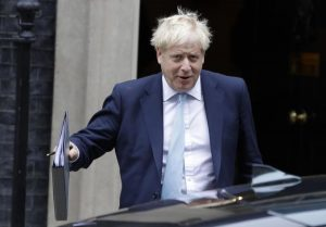 Boris Johnson documento rinvio brexit
