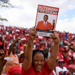 Elezioni in Botswana, per la prima volta dall'indipendenza il partito al potere rischia il ko
