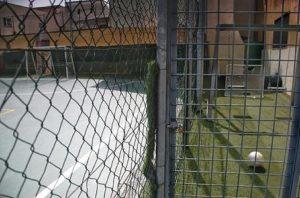 Un campo di calcio a 5, Ansa