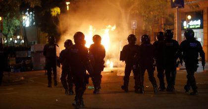 Catalogna scontri polizia manifestanti