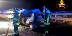 Catania, si schianta con l'auto che prende fuoco: Giulio Sebastiano Calogero morto carbonizzato