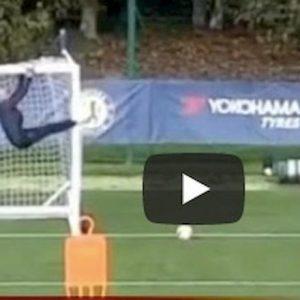 Chelsea Marcos Alonso punizione perfetta contro Caballero video Youtube