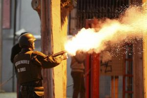 Cile in fiamme: 10 morti, saccheggi e coprifuoco