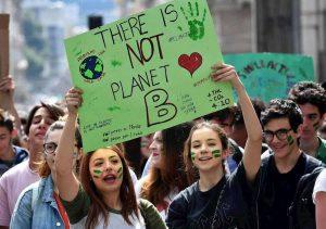 Clima e rinnovabili, gli errori della sinistra. Ma per i giovani un futuro di studio e lavoro