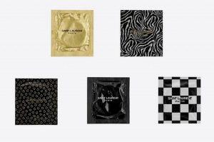 Preservativi firmati Saint Laurent: la nuova moda per promuovere rapporti sicuri. Prezzo: 2€