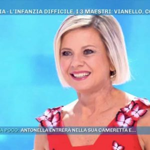 """Domenica Live, Antonella Elia e la proposta ricevuta da Barbara D'Urso: """"Sarò la tua schiava..."""""""
