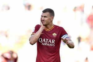 Dzeko operato tempi recupero infortunio Roma Cagliari