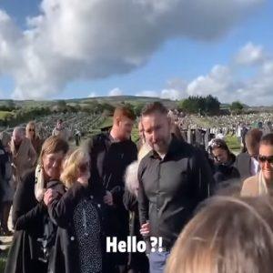 Un momento del funerale