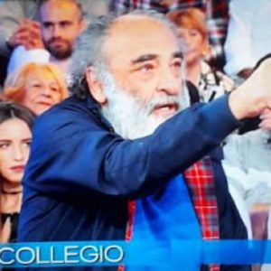 """Vieni da Me, Alessandro Haber: """"Monica Bellucci e il bacio? Lei ha messo..."""""""