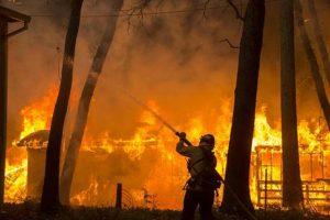 Incendio in California: sfollate oltre 50mila persone vicino San Francisco
