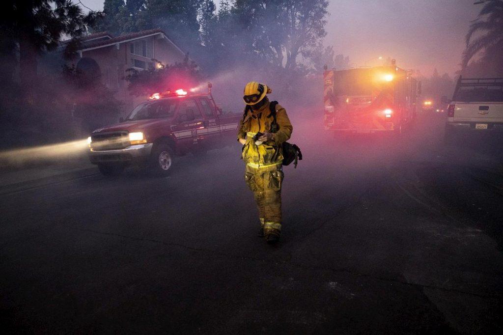 pompiere al lavoro a los angeles
