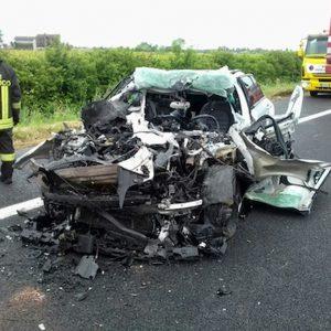 Francofonte (Siracusa), incidente sulla statale 194: tre morti. I sindaci della zona chiudono la strada