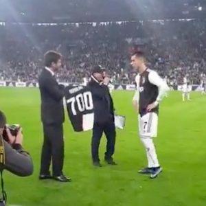 Juventus Bologna Cristiano Ronaldo maglia 700 gol 701 oggi