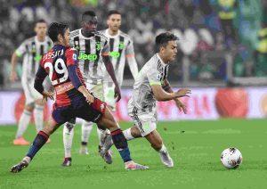 Juventus Genoa maglia con numeri giallo fosforescente FOTO