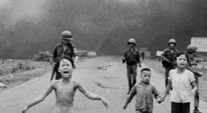 Che tempo che fa, Kim Phuc ospite di Fabio Fazio: è la bambina nella foto simbolo della guerra in Vietnam