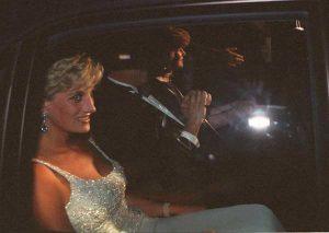 Lady Diana, i tabloid inglesi cercano la nuova vittima? Le paure di Harry per Meghan Markle