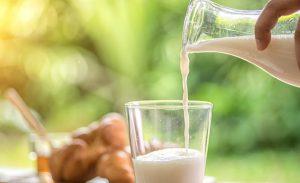 Lidl richiama lotti di latte parzialmente scremato: rischio microbiologico