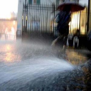 Meteo, nuova ondata di maltempo sull'Italia: allerta arancione su Liguria