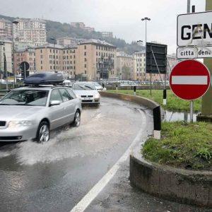 Scuole chiuse a Genova per maltempo. A rischio anche i treni