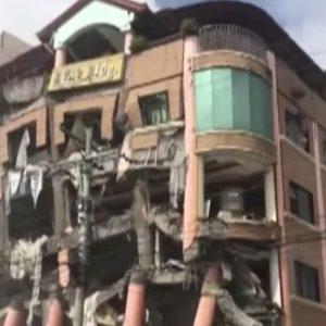 Terremoto nelle Filippine, scossa di magnitudo 6.5 sull'isola di Mindanao: 3 morti. E' la seconda in due giorni VIDEO