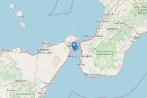 Stretto di Messina, la terra trema all'improvviso. Panico terremoto, ma era bomba fatta brillare