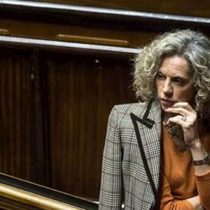 Monica Cirinnà, hater le augura un tumore