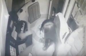 YOUTUBE Mosca: autista bus distratta dal cellulare non si ferma e si schianta