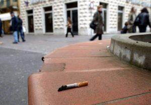 Bari multa mozzicone sigaretta