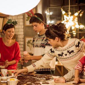 Natale coi suoceri, stress reale: innesca cambiamenti nella flora intestinale collegati alla depressione
