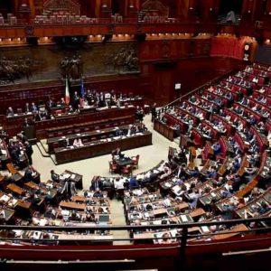 Onorevole deputato vil razza dannata: 315 in meno, Italia salva. Allora perché non tutti?