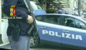 Polizia, altro agente rischia la vita per la rottura della fondina: la denuncia del Sap