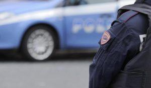 Roma nigeriano aggredisce poliziotti